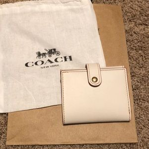 NWT Coach Small Trifold Wallet